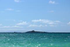 Kaohikaipu ö av den lovart- kusten av Oahu Royaltyfri Fotografi