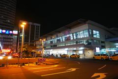 Kaohsiung główna stacja przy nocą Obrazy Royalty Free
