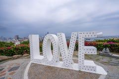 Kaohsiung, Taïwan, mai 4,2018 : L'amour se connectent la montagne de Shoushan avec la région du centre ville et de port de Kaohsi Photo stock