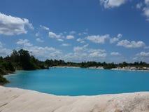 Kaolin blå sjö Arkivfoton