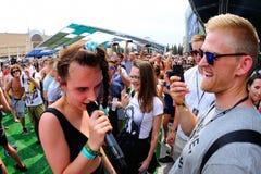 Kapacitet för MO (dansk sångare och låtskrivare som undertecknas till Sony Music Entertainment) på sonar Arkivfoto