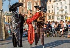 Kapaciteten av danslysande festspel utförde viktig för teatern för den byTheKiev gatan på den 31. gatan - internationell festival Arkivbild