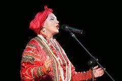 Kapaciteten på etappen av den nationella folk sångaren av babkinaen för rysssångnadezhda och teaterrysssången Royaltyfri Bild