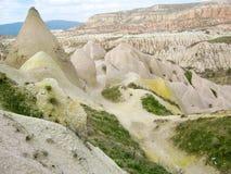 Kapadokyavallei met mooie rotsvormingen stock afbeelding
