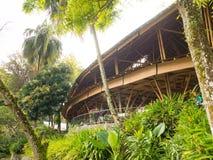 Kapal Bambu restaurang i Ecolodge Bukit Lawang, Indonesien Fotografering för Bildbyråer