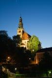 Kapel en klokketoren in oude Europese stad Royalty-vrije Stock Foto's