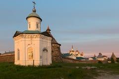 Kapel van Constantine en Helen Spaso-Preobrazhensky Solovetsky Monastery stock afbeelding