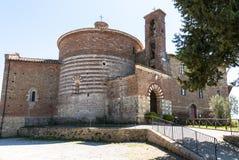Kapel van San Galgano in Montesiepi, Toscanië. Royalty-vrije Stock Afbeeldingen