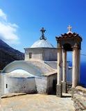 Kapell på överkanten av Olympos, Karpathos, Grekland royaltyfria bilder