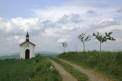 Kapelle über dem Dorf Menik nahe Litovel Lizenzfreie Stockfotografie