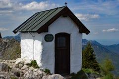 Kapelle auf dem Berg-BrÃ-¼ nnstein Lizenzfreies Stockfoto