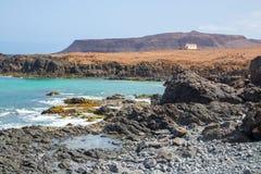 Kapelle auf der felsigen Küste der Boaaussicht, Capo verde, Afrika Lizenzfreie Stockfotos