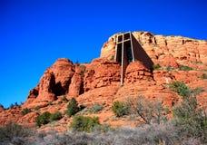 Kapelle des heiligen Kreuzes, rote Felsen-Berge Sedona Arizona Stockfotografie