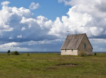 Kapelle durch das Meer Lizenzfreies Stockfoto