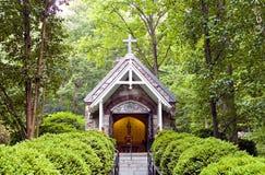 Kapelle im Holz Lizenzfreie Stockfotografie