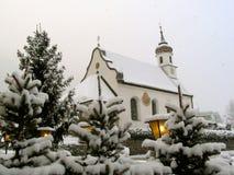 Kapelle im Schnee Stockbild