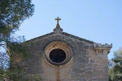 Kapelle mit Kreuz Lizenzfreie Stockbilder