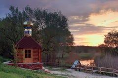 Kapelle und Frühling Stockbilder
