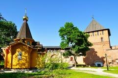 Kapelle von St. Vladimir - Prinz von Novgorod und von Baptisten von Rus und Vladimir Tower im Kreml in Veliky Novgorod, Russland stockfoto