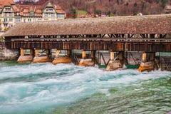 Kapellen-Brücke in Luzern, die Schweiz Stockfotografie