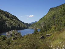 Kapellen-Teich in den Adirondack-Bergen Stockfotografie