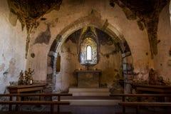Kapellet fördärvar in av den Aggstein slotten Wachau dal _ arkivbild