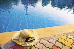 kapelusz kłama słomę Fotografia Royalty Free