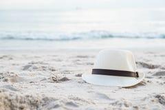 Kapelusz na Plaży Fotografia Royalty Free
