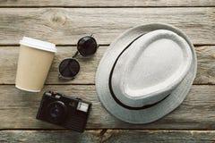 Kapelusz z okulary przeciwsłoneczne Obraz Royalty Free