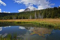 Kapeluszowego jeziora, Lassen Powulkaniczny park narodowy Zdjęcie Royalty Free