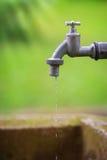 Kapiący faucet Zdjęcia Royalty Free