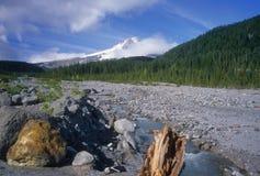 kapiszonu góry strumień zdjęcie stock