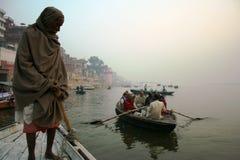 Kapitän auf dem Ganges-Fluss Lizenzfreie Stockbilder