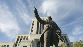 Kapitein Vancouver Statue dolly schot Royalty-vrije Stock Foto's