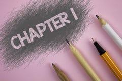 Kapitel 1 för textteckenvisning Begreppsmässig fotostart något som är ny, eller danande de stora ändringarna i en s-resa som är s arkivbilder