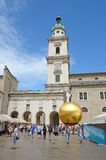 Kapitelplatz i Salzburg, Österrike. Arkivbilder