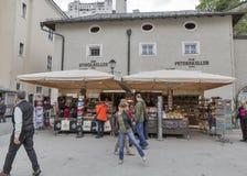 Kapitelplatzvierkant in de Oude Stad van Salzburg, Oostenrijk Royalty-vrije Stock Foto's