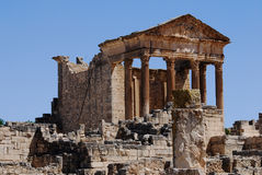 Kapitolium Dougga, Tunisien Arkivfoto