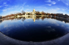 Kapitoliumbyggnad i Washington DCreflexion Royaltyfri Fotografi