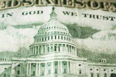 Kapitoliumbyggnaden som visad på dollarräkningen för USA 50 royaltyfria bilder