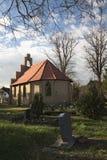 Kaplica I cmentarz W Stahlbrode zdjęcia royalty free