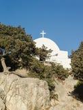Kaplica na ruinach forteczny Monolithos na wyspie Zdjęcia Royalty Free