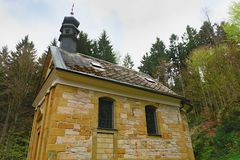 Kaplica w lasowej Chrześcijańskiej kaplicie Obraz Royalty Free