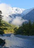 从Kappi-Bashi, Kamikochi国家公园的看法 免版税库存照片