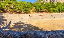 Kapplöpningsbana av forntida Delphi arkivfoton