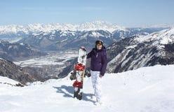 Kaprun的少妇,滑雪胜地在奥地利 库存照片