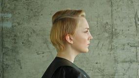 kapsel hairstyle Mooi Modelwith short stock videobeelden