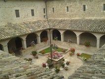 Kapseln Sie Basilika von ` Assisi Sans Francesco d ab lizenzfreies stockfoto