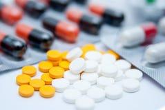 Kapseln und Pillen Stockfotos