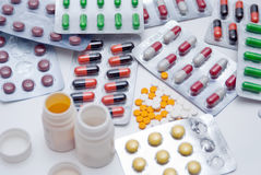 Kapseln und Pillen Lizenzfreie Stockbilder